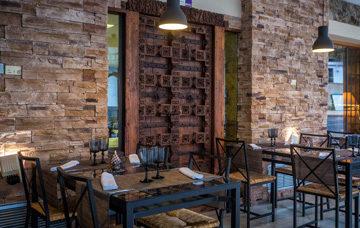 Restaurante terraza Hotel Rio Piedra